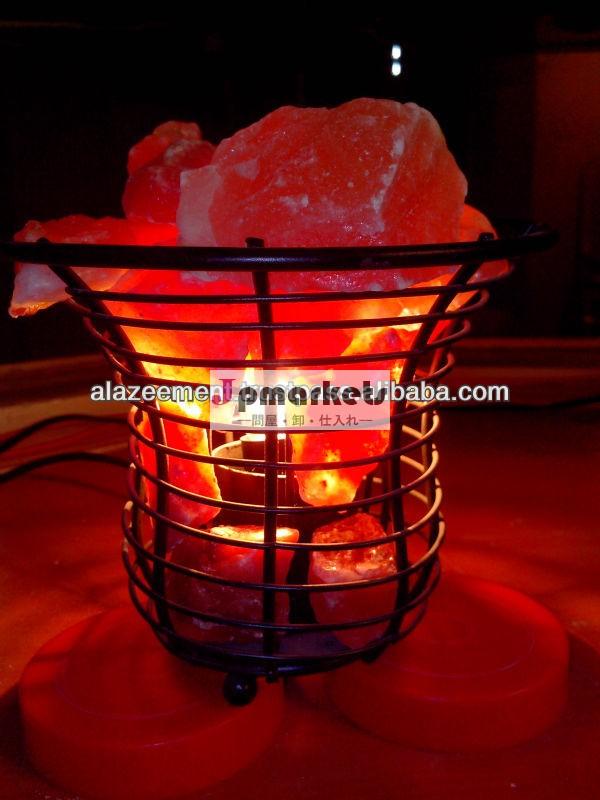 鉄バスケット曲線のデザインとヒマラヤの天然塩の塊/ironバスケットランプパキスタン問屋・仕入れ・卸・卸売り