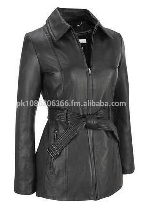 革のコートの女性-コート問屋・仕入れ・卸・卸売り