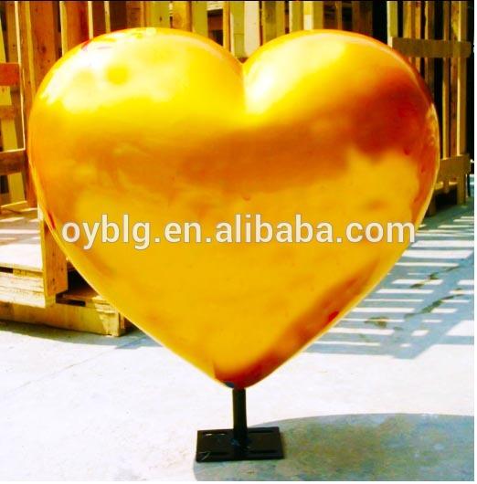 バレンタインデーのスタンド上にハートのグラスファイバーの、 バレンタインデーの装飾の愛の心-ギフトセット問屋・仕入れ・卸・卸売り