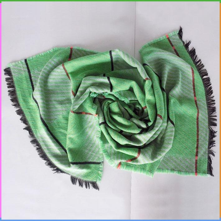 グリーン模造カシミヤタータンチェック柄と縞模様のショールスカーフ用女性-マフラー、帽子、手袋セット問屋・仕入れ・卸・卸売り
