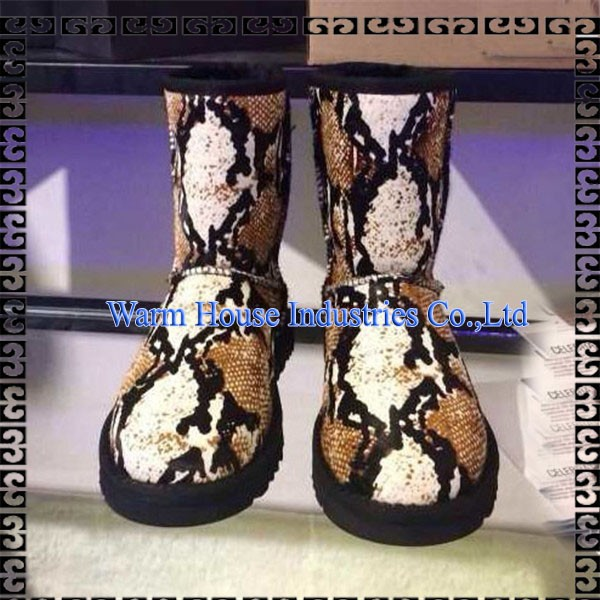 女性のブーツ2016古典sheepksin雪のブーツのための女性のレザーブーツで冬-革靴問屋・仕入れ・卸・卸売り