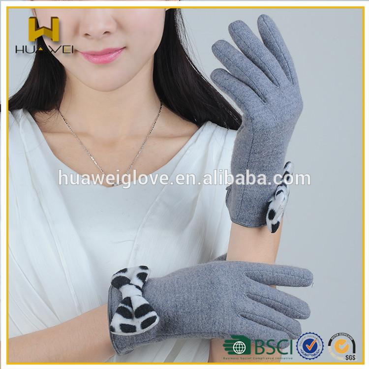 グレーニットウール手袋ヒョウのプリント付きカフ上のちょう結び-ウール手袋、ミトン問屋・仕入れ・卸・卸売り