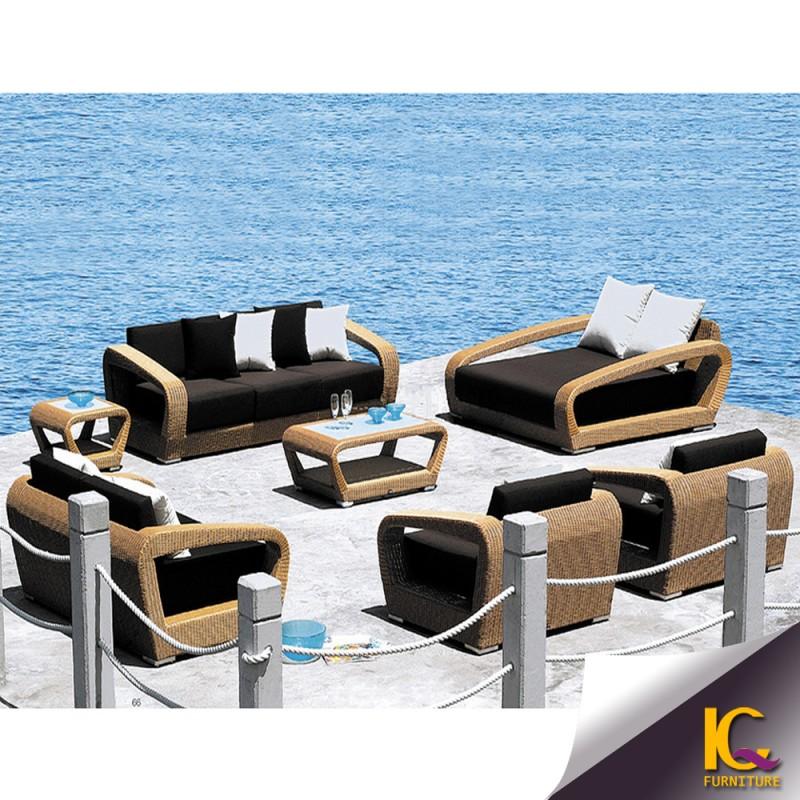 中国トップ5人乗り使用されるアメリカンスタイルの豪華な籐屋外ソファ-ガーデンセット問屋・仕入れ・卸・卸売り