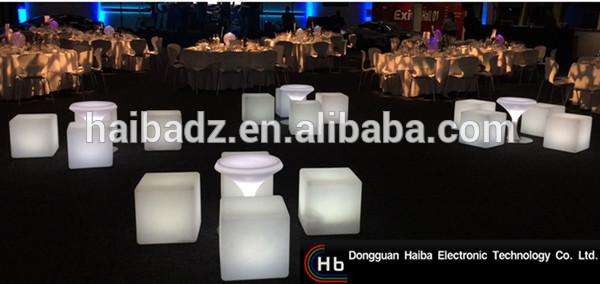 テーブルオフィスチェアプラスチック椅子led照明キューブテーブルと椅子中国工場-その他バー家具問屋・仕入れ・卸・卸売り