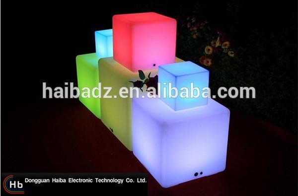 Led椅子ハイテク製品led照明キューブテーブルと椅子中国サプライヤー-その他バー家具問屋・仕入れ・卸・卸売り